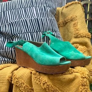 Anthropologie green suede wedge sandal size 9